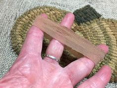 Rugs and Pugs: A Handy Dandy Hooking Tip ~