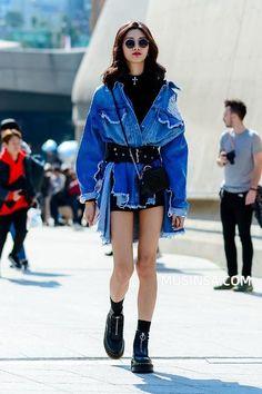 style 2018 s/s HERA Seoul fashion week fashion street tokyo-fashion Seoul Fashion, Tokyo Fashion, Japon Street Fashion, Trend Fashion, Korean Fashion Trends, Japanese Street Fashion, Summer Fashion Trends, Harajuku Fashion, Cool Street Fashion