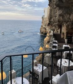 Adventure Awaits, Adventure Travel, Beautiful World, Beautiful Places, Italy Coast, Future Photos, Living In Italy, Travel Dating, The Great Escape