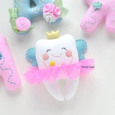 Baby First Tooth Love Ideas Eid Crafts, Diy And Crafts, Crafts For Kids, Tooth Pillow, Tooth Fairy Pillow, Felt Banner, Unicorn Crafts, First Tooth, Felt Baby