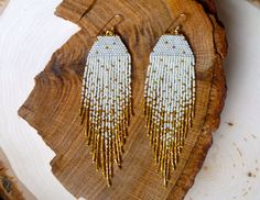 Cream/Gold Iris Fleck Earrings van wildmintjewelry op Etsy