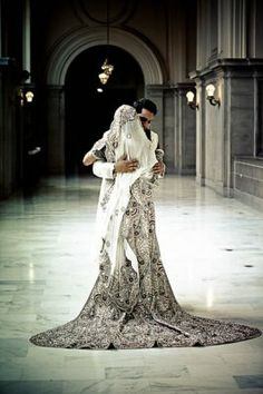 Image by Arrowood http://maharaniweddings.com/gallery/photo/1259