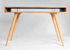 Wood desk by Shpelyk Roman.
