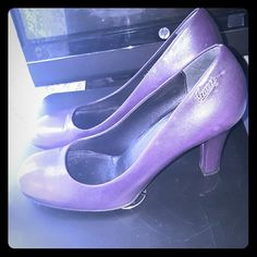 Purple Gucci Shoes Authentic ?? Purple Gucci Shoes lightly used in very good conditions size 38 1/2 gucci  Shoes Heels