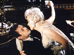 Marilyn Monroe and Tony Curtis in 'Some Like It Hot' | Flickr - Photo Sharing!