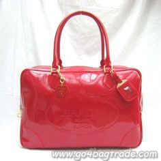 Google Image Result for http://www.kongbags.com/images/09.06.28/prada-patent-leather-BR3016-red.jpg