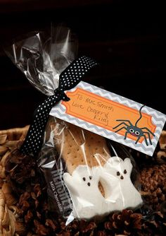 Halloween S'Mores  Treat Bags with Free Printable Tag