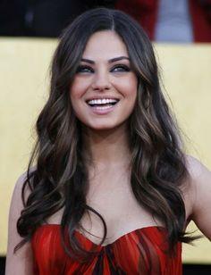 Mila Kunis loose curls, perf hair