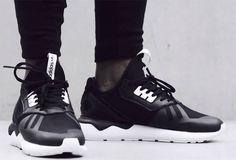 Schnell sein und zuschlagen: adidas 'Tubular Runner' Hier entdecken und kaufen: www.sturbock.me
