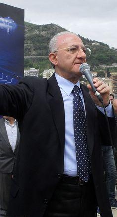 Vincenzo De Luca al Don Mauro di Villaricca