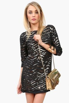 Glittering Sequin Dress Styles for Holiday Party Season