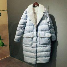 Утепляемся модно. Подборка самых красивых пуховиков этого сезона. Интересные фасоны пошива и декора. – В РИТМІ ЖИТТЯ Suit Fashion, Fashion Dresses, Womens Fashion, Business Dress Code, Cool Coats, Casual Chic Style, Down Coat, Sweater Coats, Winter Coat