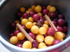 Mirabelky právě dozrávají a byla by škoda toto sezónní ovoce nezpracovat. Třeba na marmeládu, kterou užijeme na palačinky, cukroví a jen tak na chuť. Podrobný FOTORECEPT. Fruit, Food, The Fruit, Meals, Yemek, Eten