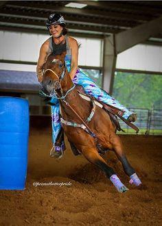 - Jupinkle my role model Barrel Racing Horses, Barrel Horse, Beautiful Horse Pictures, Beautiful Horses, Barn Stalls, Horse Stalls, Horse Barns, Foto Cowgirl, Woman Riding Horse