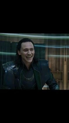Marvel Avengers Movies, Loki Marvel, Avengers Memes, Marvel Jokes, Loki Thor, Tom Hiddleston Loki, Marvel Funny, Marvel Heroes, Marvel Characters