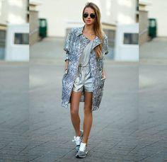 blazer TopShop / shoes Adidas ZX flux / shorts TallyWeijl / backpack Kari / glasses RayBan / blouse Oysho