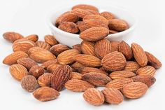 Health Benefits Of Almonds, Almond Benefits, Weight Loss Tea, Lose Weight, Keto Snacks, Healthy Snacks, Healthy Eating, Snacks List, Healthy Brain