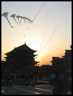 Xi'an: evening kites