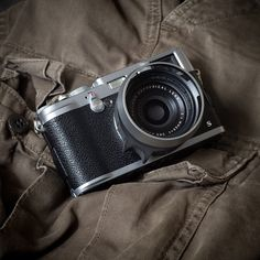 Fuji Camera, Arte Robot, Camera Straps, Photography Equipment, Best Camera, Fujifilm Instax Mini, Leica, Binoculars, Digital Camera
