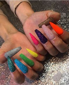 These are THE best nails I️'ve ever scene! Fits my personality very well.