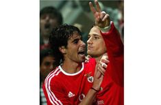 BENFICA'S TIAGO EMBRACES HIS TEAM MATE FEHER AFTER GOAL AGAINST LA  LOUVIERE IN UEFA CUP MATCH.