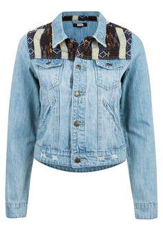 http://bikbok.com/no/Categories/Collection/Jackets-blazers/L-Outw-Jackets/OJ-Amina-Mix/p/7132305-500-L-Blue