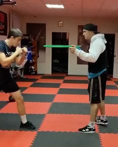 Kinobody Workout, Boxing Training Workout, Kickboxing Workout, Calisthenics Workout, Gym Workout Videos, Workouts, Mixed Martial Arts Training, Martial Arts Workout, Boxing Techniques