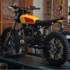 Take a look at a few of my most favorite builds - specialty scrambler designs like Cafe Racer Moto, Cafe Racing, Cafe Racer Bikes, Moto Scrambler, Tracker Motorcycle, Moto Bike, Custom Bikes, Custom Motorcycles, Vintage Motorcycles