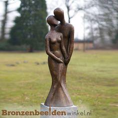 Sculpture Art, Garden Sculpture, Marriage Romance, Bronze, Body Drawing, Wood Creations, Statue, Stone Carving, Glass Design