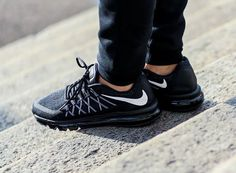online store 82295 d033f Nike Air Max 2015 Black White aux pieds (1) Nike Air Max, New