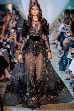 Elie Saab Fall 2017 Couture collection, runway looks, beauty, models, and reviews.