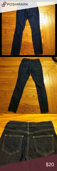 """Dark wash skinny jeans Old Navy flirt style dark wash skinny jeans. Roomier in the hips and smaller at the waist. Soft denim with a bit of stretch and about a 27"""" inseam. Perfect length for a 5'3"""" woman. The dark wash makes these jeans super versatile and classy enough to wear at the office. Old Navy Jeans Skinny"""