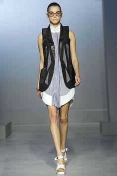 Balenciaga Spring 2007 Ready-to-Wear Fashion Show - Jeisa Chiminazzo