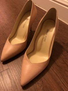 Sarah Flint - The Perfect Pump 85 - Blush Nude Napa - Size 39 Beige Pumps, Black Pumps Heels, Suede Pumps, High Heel Pumps, Leather Pumps, Pump Shoes, Brown High Heels, The Blushed Nudes, Mary Jane Heels
