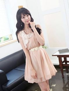Fashionable Brooch Pleated Sleeveless Dress with Belt Pink