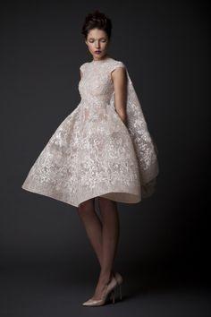Short Wedding Dresses : The White Wardrobe Krikor Jabotian Fall-winter Style Couture, Couture Mode, Couture Fashion, Net Fashion, Bridal Fashion, 2015 Wedding Dresses, Wedding Gowns, Wedding Blog, Civil Wedding