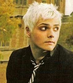 Gerard Way, My Chemical Romance Emo Bands, Music Bands, My Chemical Romance, Mikey Way, Punk, Frank Iero, Pierce The Veil, Paramore, Fall Out Boy