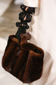 Loewe Fall 2016 Ready-to-Wear Accessories Photos - Vogue