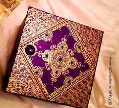 Henna Art Jewelry Box in purple with matching gem stones. Henna Canvas, Canvas Art, Arabic Mehndi Designs, Henna Designs, Henna Kunst, Indian Wedding Gifts, Henna Paint, Mehndi Decor, Moroccan Design