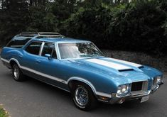 "In the days when wagons were the ultimate family utility vehicle, every kid knew the ""Vista Cruiser"" was the coolest. This 1972 Oldsmobile Vista Cruiser seeks a new owner here on craigslist in San Francisco, California with an asking price of. Oldsmobile Vista Cruiser, Oldsmobile Cutlass, General Motors, My Dream Car, Dream Cars, Station Wagon Cars, Old Wagons, Automobile, Us Cars"
