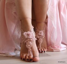 Channel a boho-luxe look with these anklets – an ideal technique to consider taking your ornament compilation to another point. Wedding Sandals For Bride, Barefoot Sandals Wedding, Beach Wedding Shoes, Bride Shoes, Bare Foot Sandals, Bridal Lace, Pink Lace, Anklets, Bridesmaid Gifts