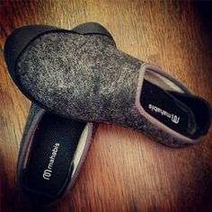 mahabis selfie // larvik dark grey x skien black. join @elfolla and show us your #mahabisselfie for a chance to be featured #mahabis #slippers #design