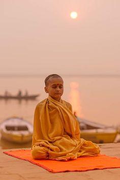 Yoga Studio Design, Varanasi, Agra, Rishikesh, Yoga Inspiration, Indian Meditation, Taj Mahal, Buddha, Indian Photoshoot