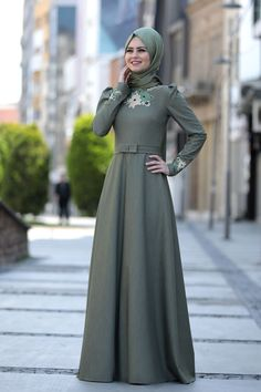 Embroidered Cuban Dress - Green