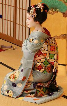舞妓のたね若さん Maiko Tanewaka