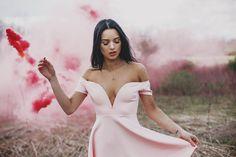 Jessica Kobeissi Photography Artistic Fashion Photography, Fashion Photography Poses, Photography Tutorials, Maternity Photography, Portrait Photography, Smoke Bomb Photography, Amazing Photography, Portrait Poses, Portraits