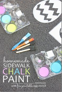 Homemade Sidewalk Chalk Paint | @mamamissblog #chalk #homemadepaint #outdoorplay