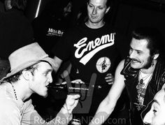 Layne Staley & King Diamond hanging out backstage at Starplex Amphitheater in Dallas, TX; October 📷possibly Michael Insuaste. Andrew Wood, Jerry Cantrell, Mad Season, King Diamond, Layne Staley, Tortured Soul, Alice In Chains, Rock Legends, I Can Relate