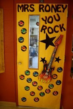 Decorate those classroom doors - Thoughtful Teacher Appreciation Day Ideas That Won't Break the Bank - Photos