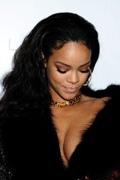 3 benitathediva Rihanna wearing a beautiful orange crystal choker with gold Chic and trendy paired with an all black outfit Moda Rihanna, Rihanna Riri, Rihanna Style, Rihanna Daily, Beautiful People, Beautiful Women, Simply Beautiful, Saint Michael, Bad Gal